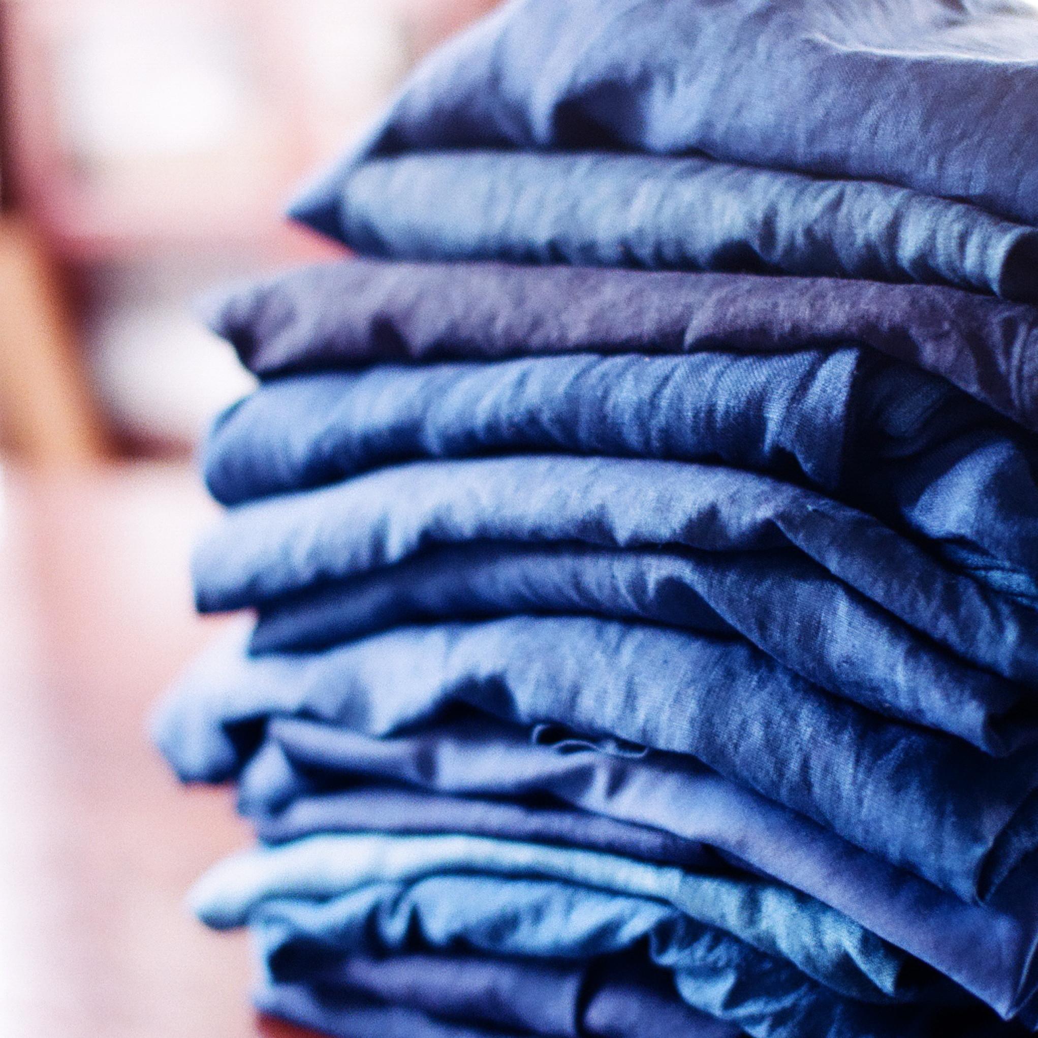 草木染め 本藍 琉球藍 indigo dyed linen dress and blouse 天然 藍染めしたリネン ワンピース シャツブラウス