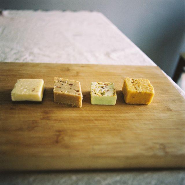 """Indian sweets: milk fudge """"barfi,"""" and """"halwa"""" /インドのミルク・ファッジ「バーフィ」と「ハルワ」。"""