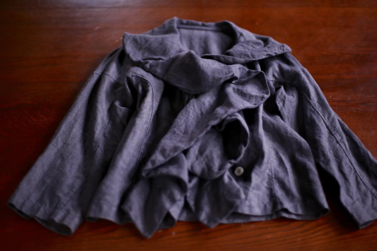 イタリアンリネンのジャケットと定番ブラウス