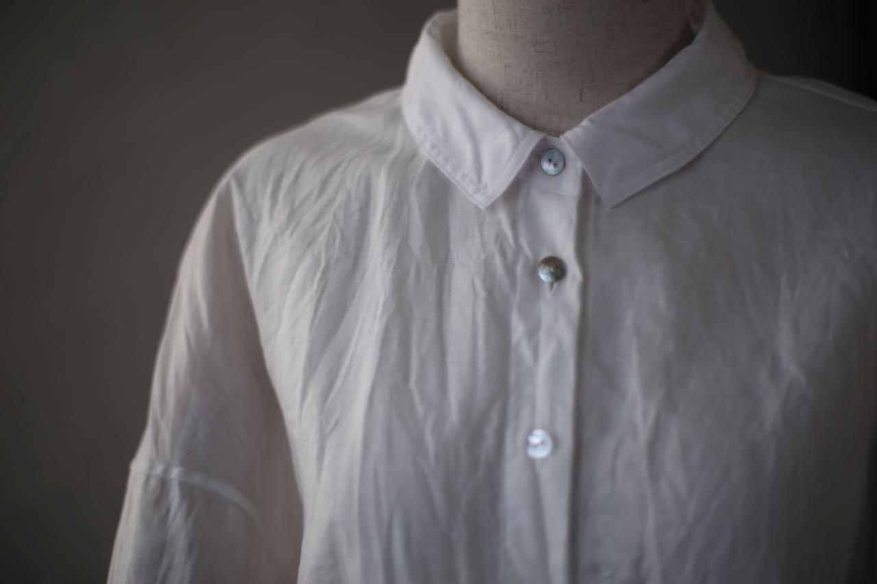 コットンリネンのシャツ
