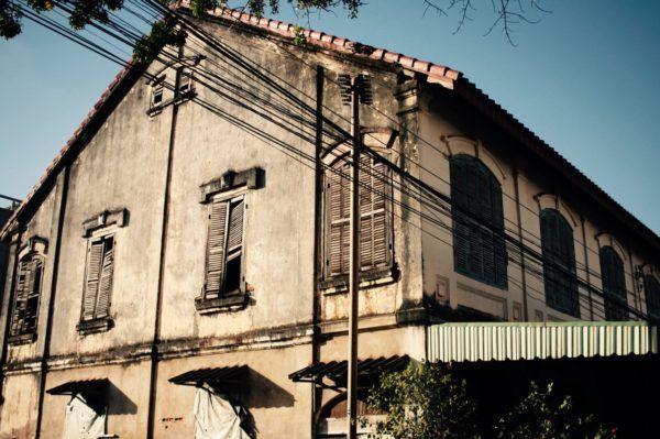 旧市街にはこんな建物がいくつもありました Savannakhet, Laos
