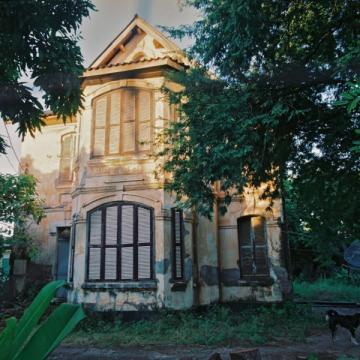 フレンチ・コロニアルの家
